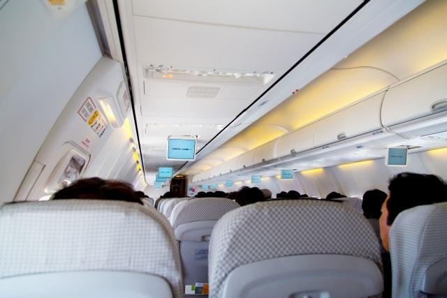 飛行機の座席3列
